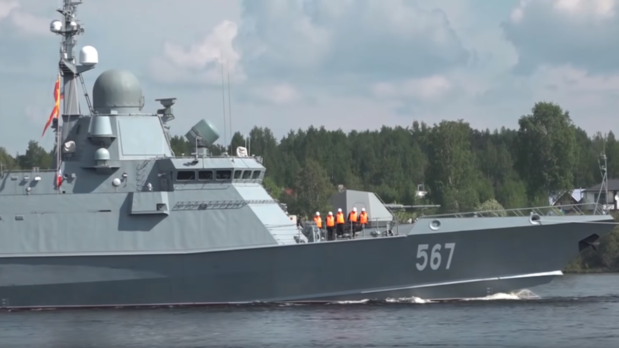 New Russian Kalibr cruise missile-capable corvette heads for sailing tests (VIDEO)