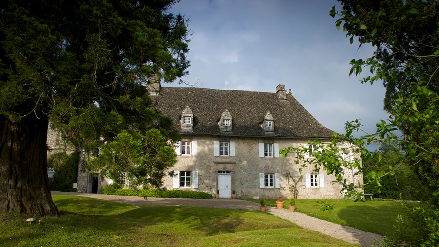 French chateau worth $1.5mn goes up for grabs for under $14