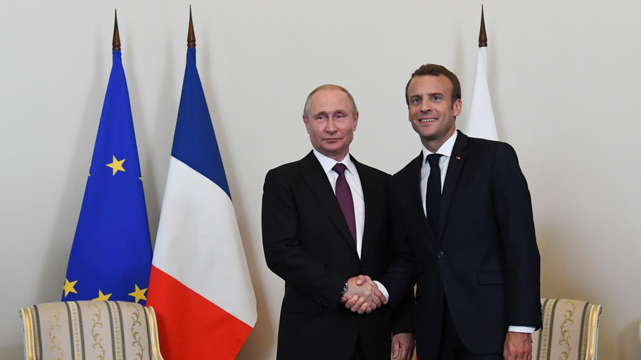 France signs contracts for €1bn  direct investment to Russia