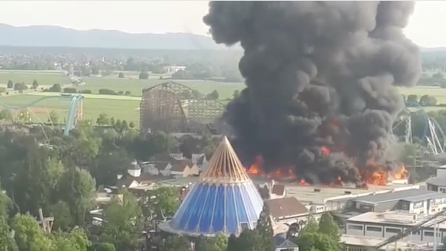 Massive blaze at German theme park
