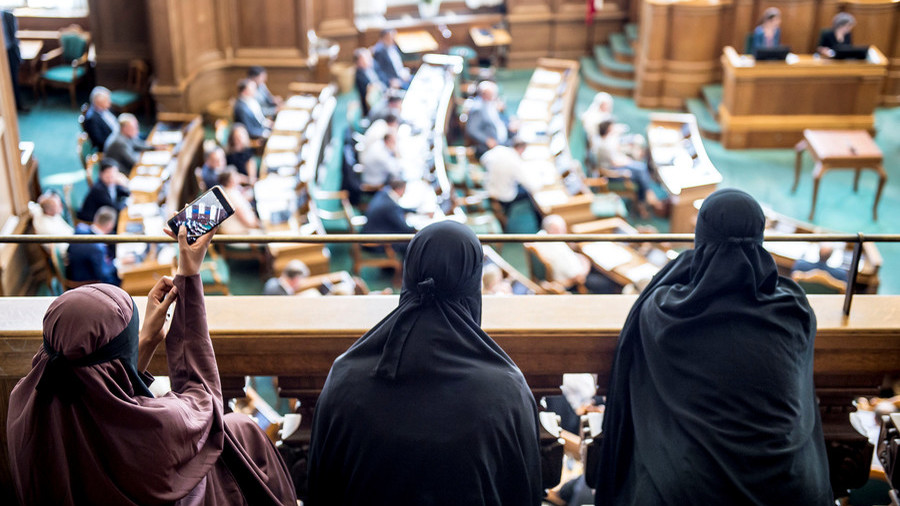 Denmark bans wearing the burqa in public