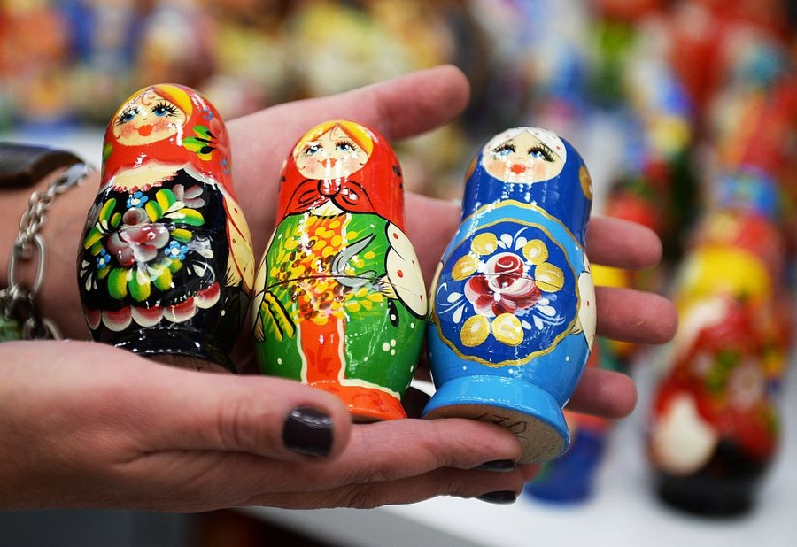 Matryoshka dolls and more: Russia brings largest arts and crafts exposition to Paris Fair