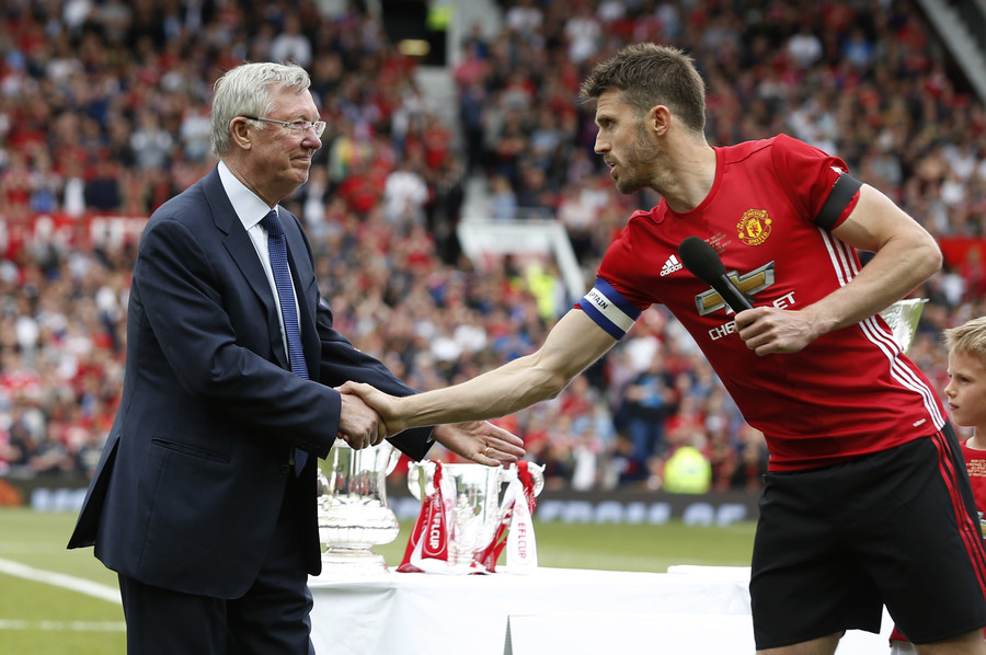 Ferguson congratulates United star Michael Carrick at his testimonial game last year © Reuters Staff / Reuters