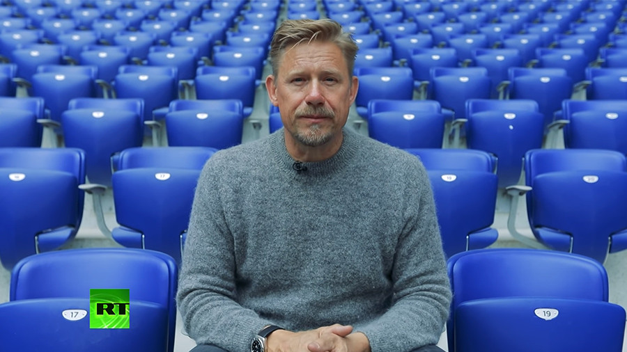 The Peter Schmeichel Show: Legendary goalkeeper explores World Cup host cities (Volgograd)