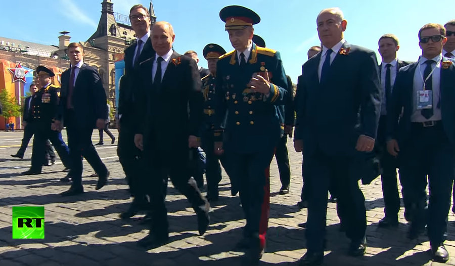 WWII veteran who walked with Putin after being pushed by his guards tells RT of his many battles