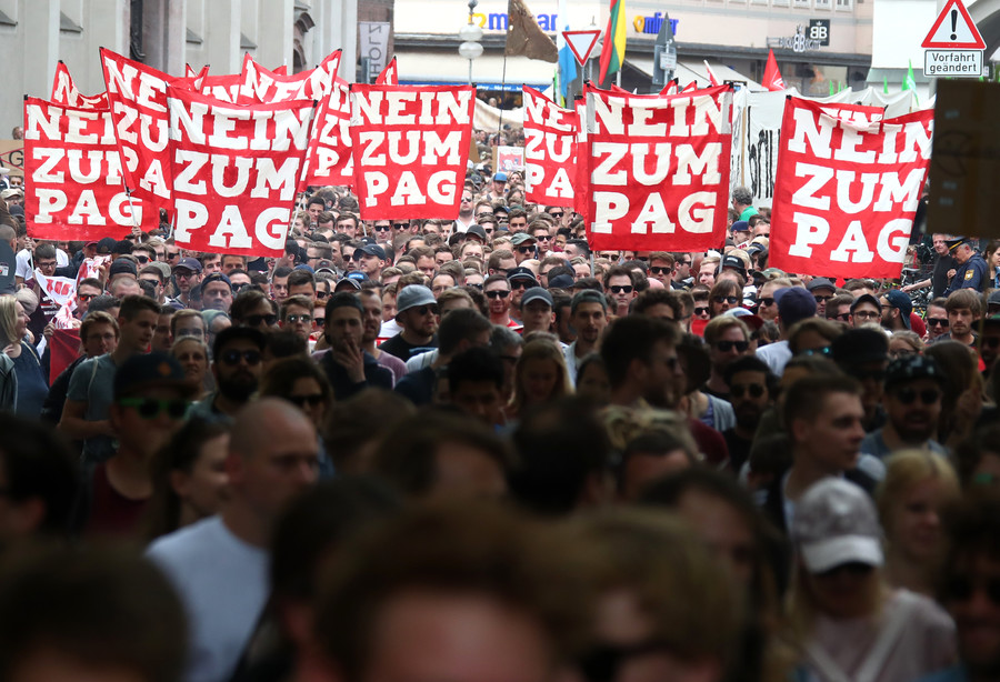 30,000 protest as German police granted powers to open mail under new laws