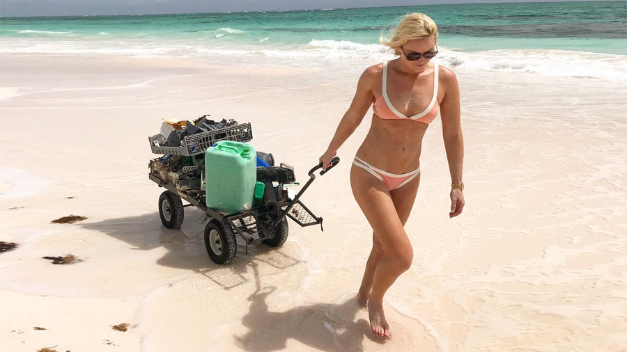 'We need to do a better job of protecting our planet' – US alpine skier Vonn cleans beach in bikini