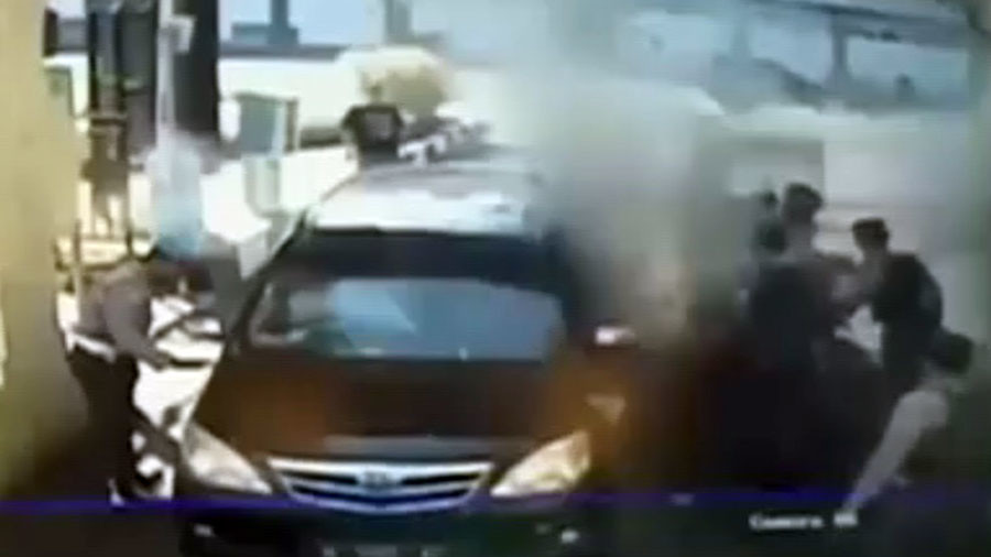 Suicide bombing at Indonesian police station caught on CCTV camera (VIDEO)
