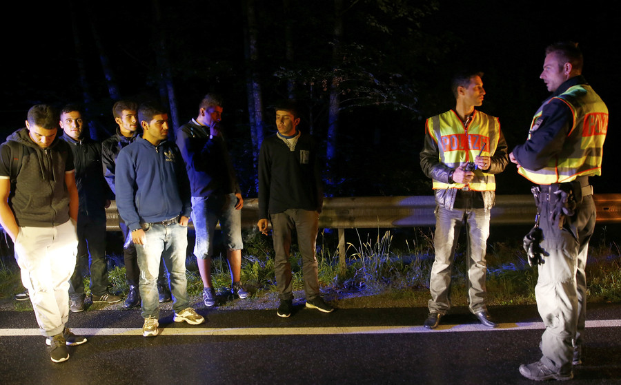 Migrants must be 'repelled at border' if refugee centers plan fails – Bavarian interior minister