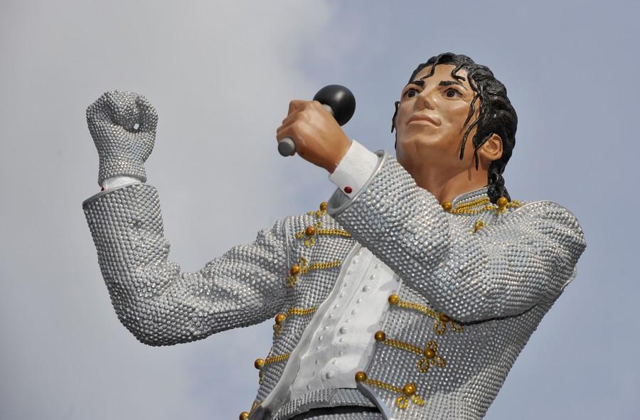 Hitler, Jacko and Maradona: Statues and waxworks best forgotten (PHOTOS, VIDEO)