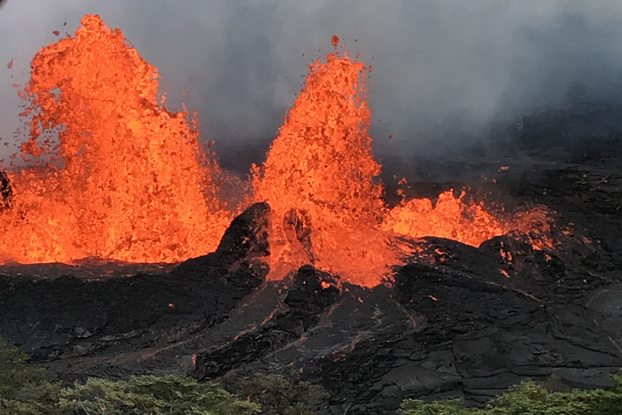 Hawaii power plant shuts down after lava from Kilauea volcano flows onto site (PHOTOS, VIDEO)