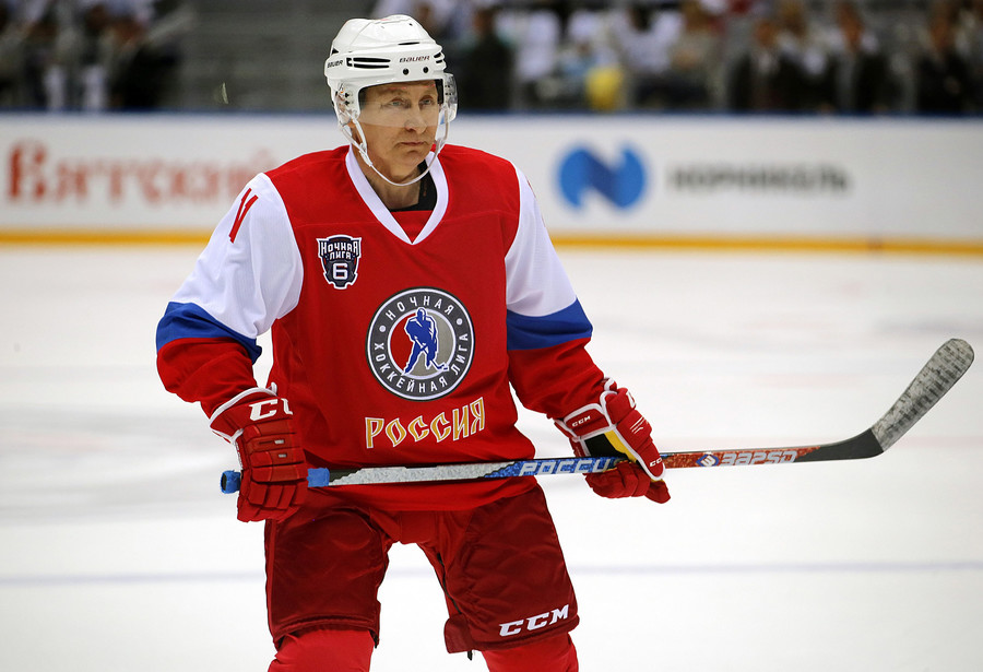 'Let's wrap it up, I want to play ice hockey' – Putin gets his skates on at Valdai Club session
