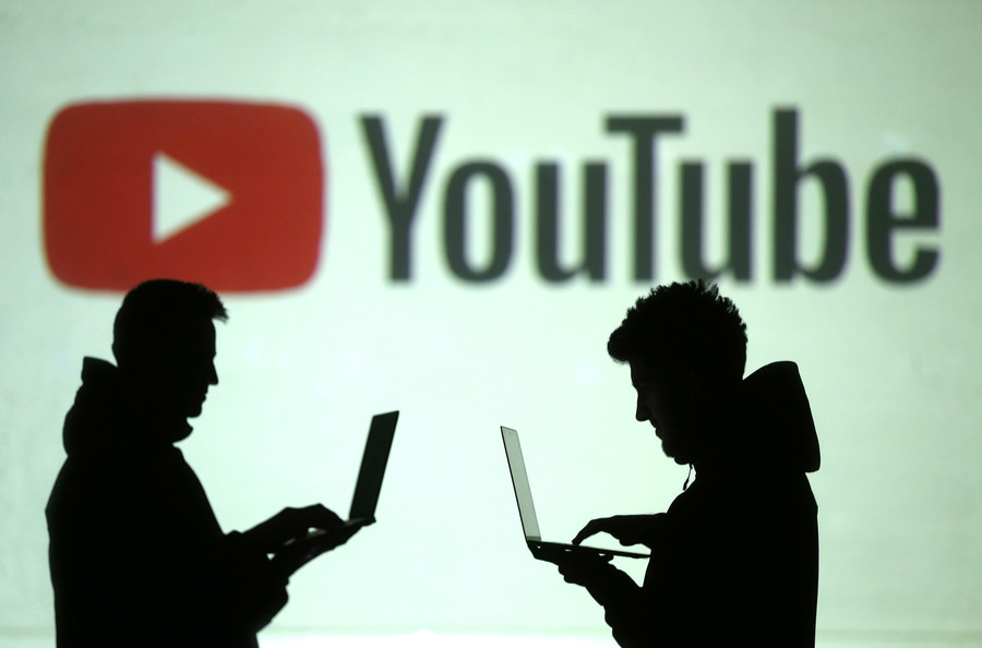 YouTube in hot water over reordering subscription feeds