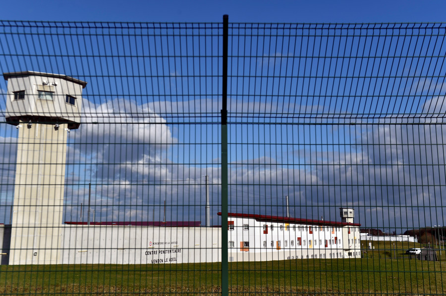 Release of 40 radicalized prisoners a 'major risk' – French counter-terrorism prosecutor
