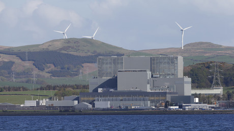 New, expanding cracks in nuclear reactor core delay restart of Scotland's oldest plant