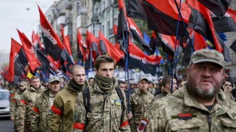 FILE PHOTO: Members of Ukraine's Right Sector radical group © Gleb Garanich