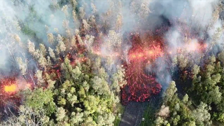 Lava outbreak triggers evacuations in Hawaii amid fears of imminent eruption (VIDEOS)