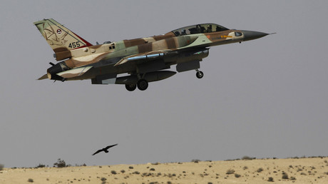 An Israeli F-16 fighter jet takes off from Ramon air base. © Amir Cohen