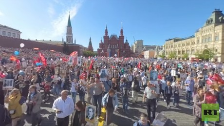 Record 1 million people join Immortal Regiment march in Moscow (360 VIDEO)