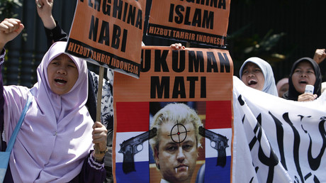 Wilders plans Mohammed cartoon contest as he fights discrimination conviction