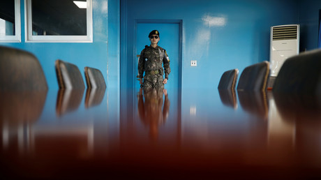 A South Korean soldier stands guard at the truce village of Panmunjom inside the demilitarized zone (DMZ). © Kim Hong-Ji
