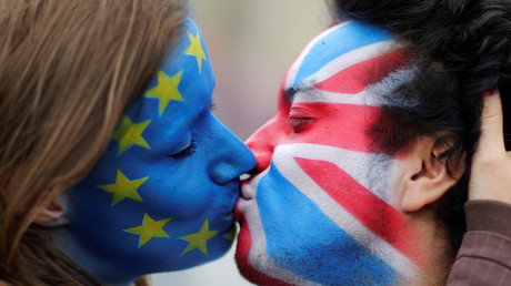 This decade's Ross and Rachel: But will a new referendum see the UK and EU back together? © Hannibal Hanschke/Reuters