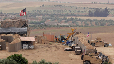 US forces setting up a new base in Manbij, Syria, May 8, 2018 © Rodi Said