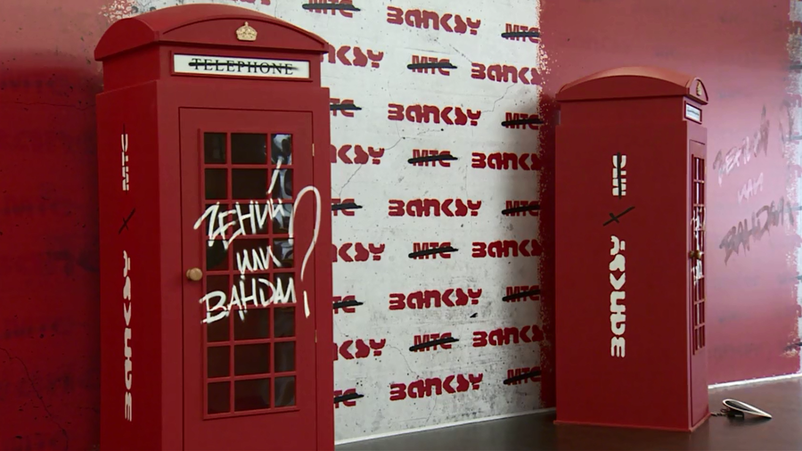 Banksy exhibit opens in Moscow, overcoming bad blood between Russia and UK (VIDEO)