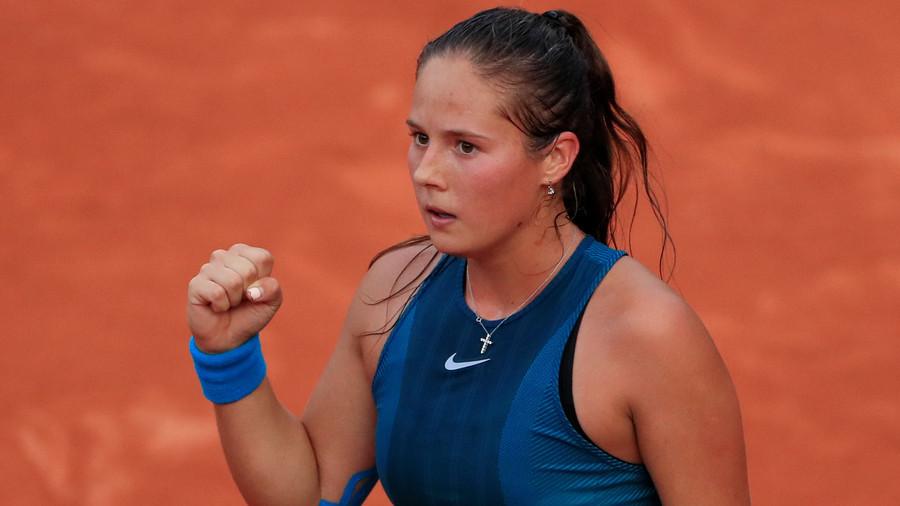 Rising Russian star Kasatkina knocks out Wozniacki, progresses to French Open quarterfinal