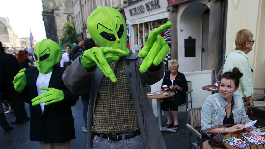 ET phone home? Chomsky's Universal language theory could help us chat with aliens (POLL)