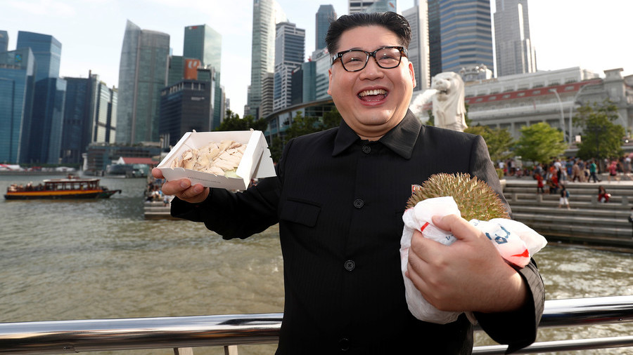 Kim Jong-un impersonator detained in Singapore airport for being too good at his job (PHOTOS)