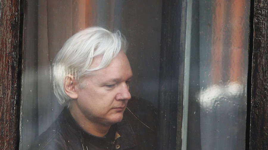 Australian officials visit Julian Assange at Ecuadorian embassy for first time