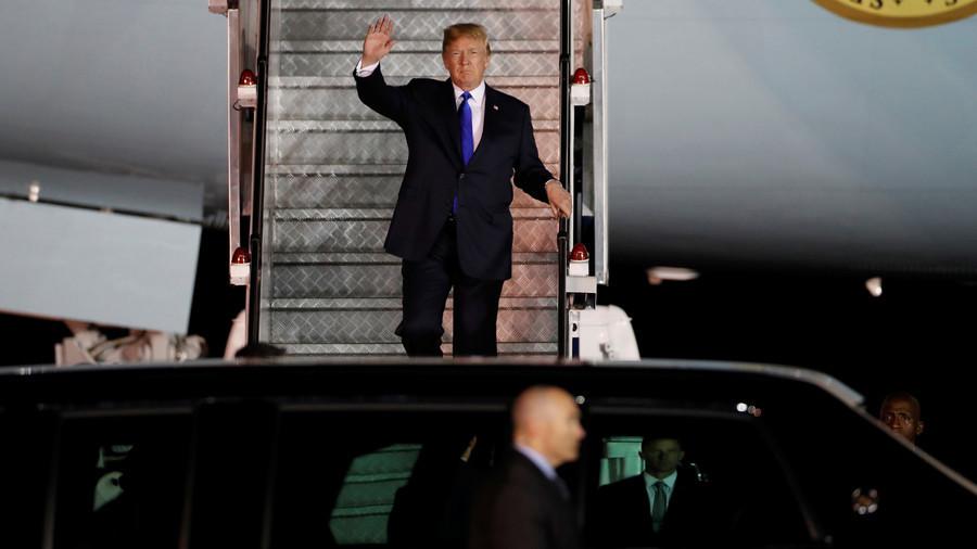 Fox host calls Trump & Kim 2 dictators, Twitter erupts