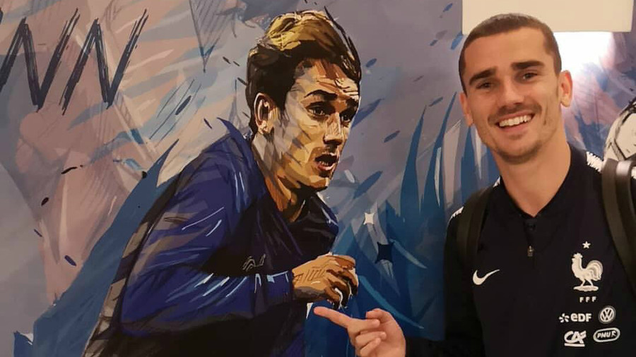 Picture-perfect: French players delighted at stunning personalized artwork in Moscow team hotel