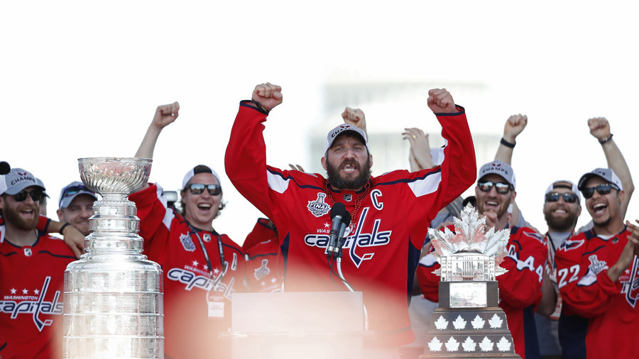 'Let's f*** this s***!' Ovechkin & Kuznetsov lead wild Capitals' Stanley Cup parade