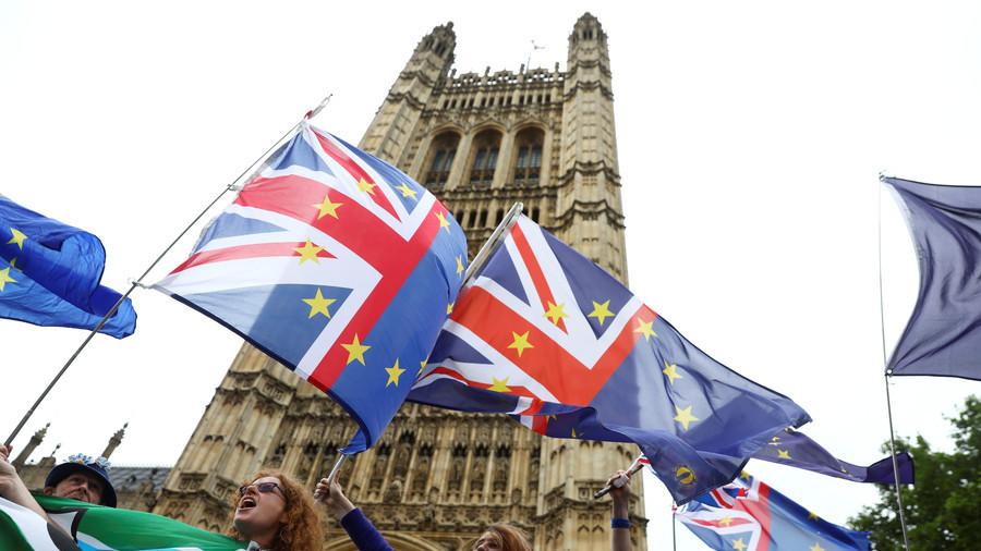'If she f**ks us, she's f**ked,' Tory Remain rebel warns Theresa May after key Brexit vote