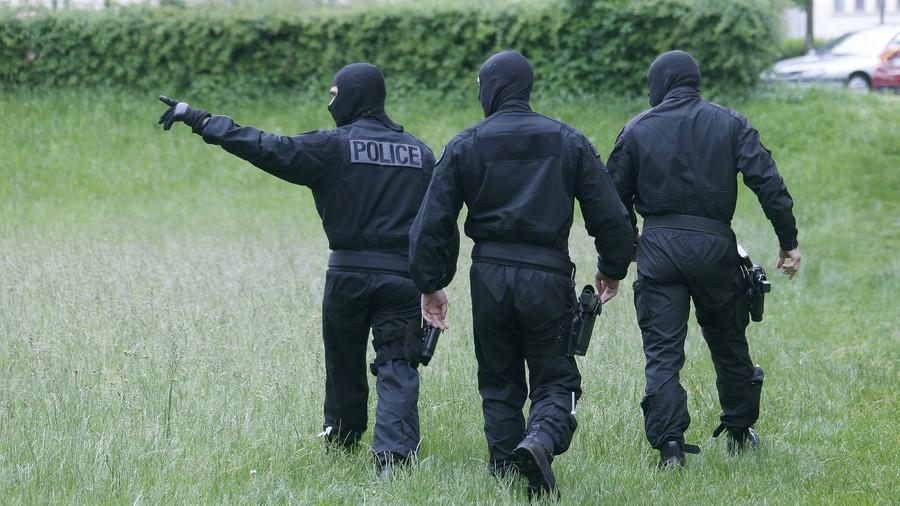 French police thwart terrorist attacks on swingers club & LGBT community