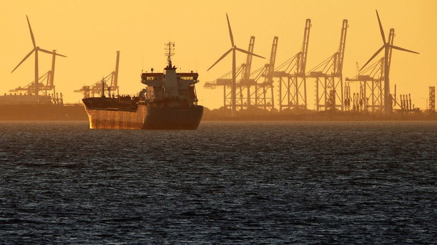 India, China look to form 'Oil Buyers Club'