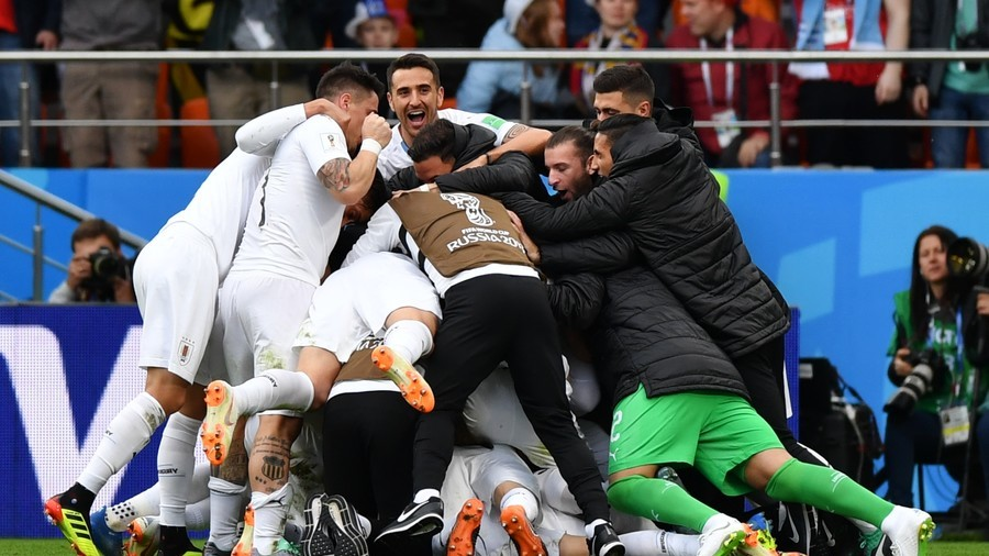 Late Uruguay onslaught pays off in 1-0 win over Salah-less Egypt