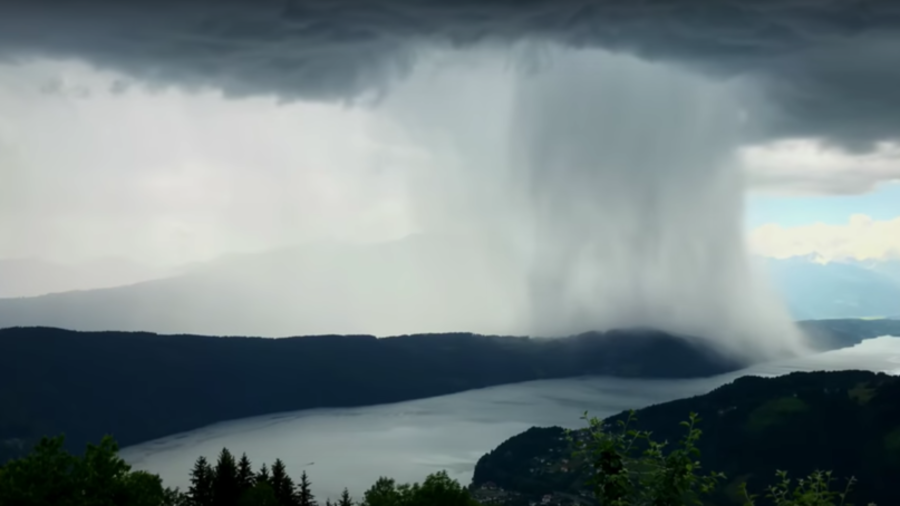 'Tsunami from Heaven': Austrian photographer creates stunning time-lapse of rainstorm (VIDEO)