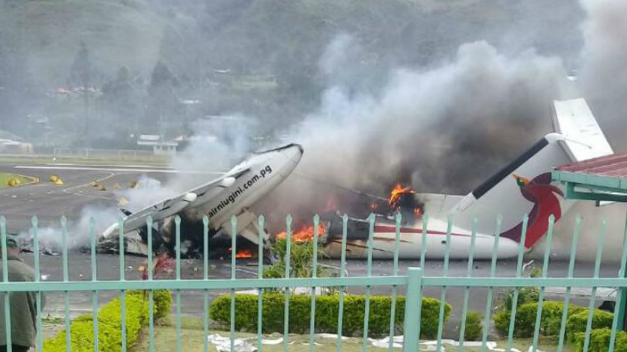 State of emergency: Rioters torch plane at island airport (PHOTOS)