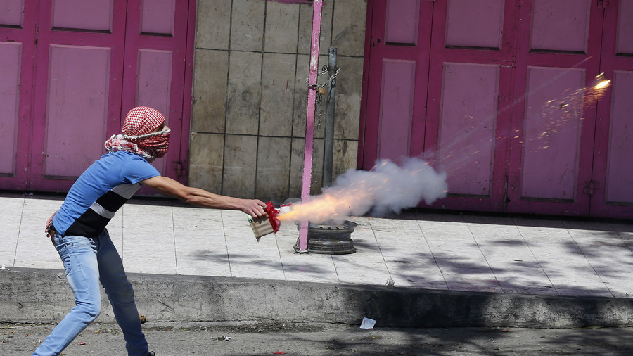 Israeli arrested for selling fireworks to East Jerusalem man for use against police