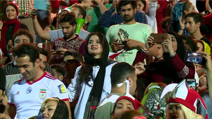 Iranian women watch World Cup match in stadium for 1st time in 40 years (VIDEO)