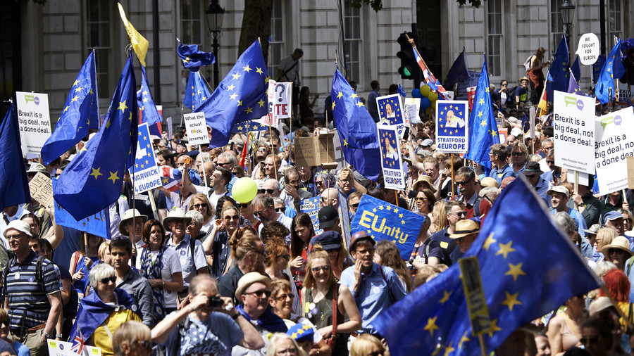 Thousands hit streets of London to protest and support Brexit, demand new referendum (PHOTOS, VIDEO)