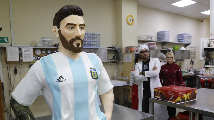 Sweet! Moscow confectioners make life-size chocolate Messi