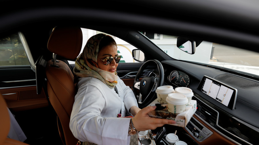 Day X for women in Saudi Arabia as driving rights come into force (PHOTOS)