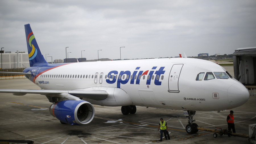 'Erratic'  woman removed from Spirit Airlines flight in apparent PTSD-triggered episode (VIDEO)