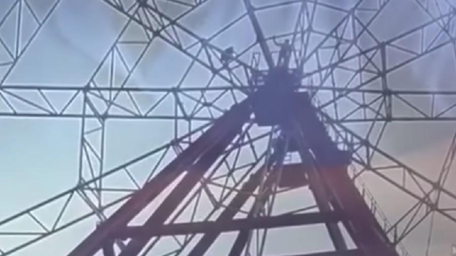 Drunken man falls from Ferris wheel in failed selfie attempt (GRAPHIC VIDEO)