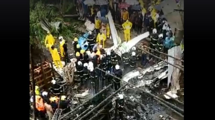 Local government aircraft crashes in Mumbai (PHOTOS, VIDEO)