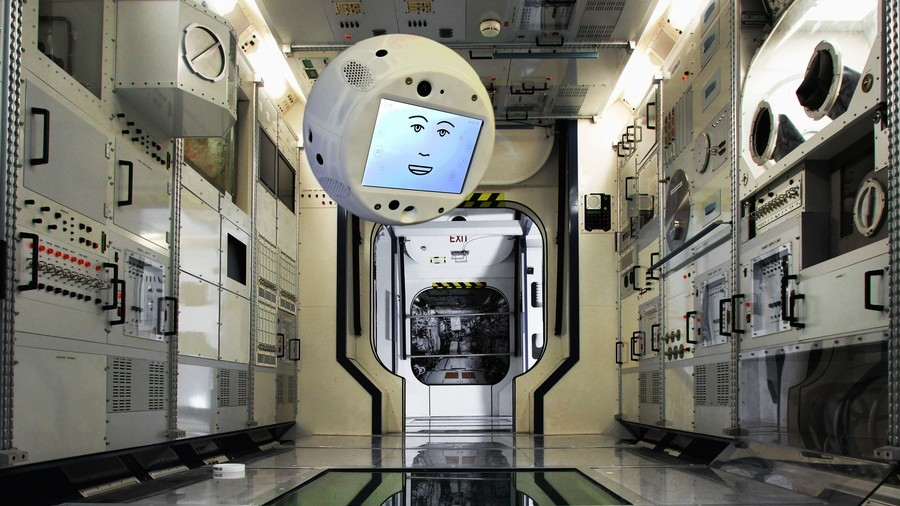'I'm sorry, Dave': Talking AI companion robot CIMON heads to ISS
